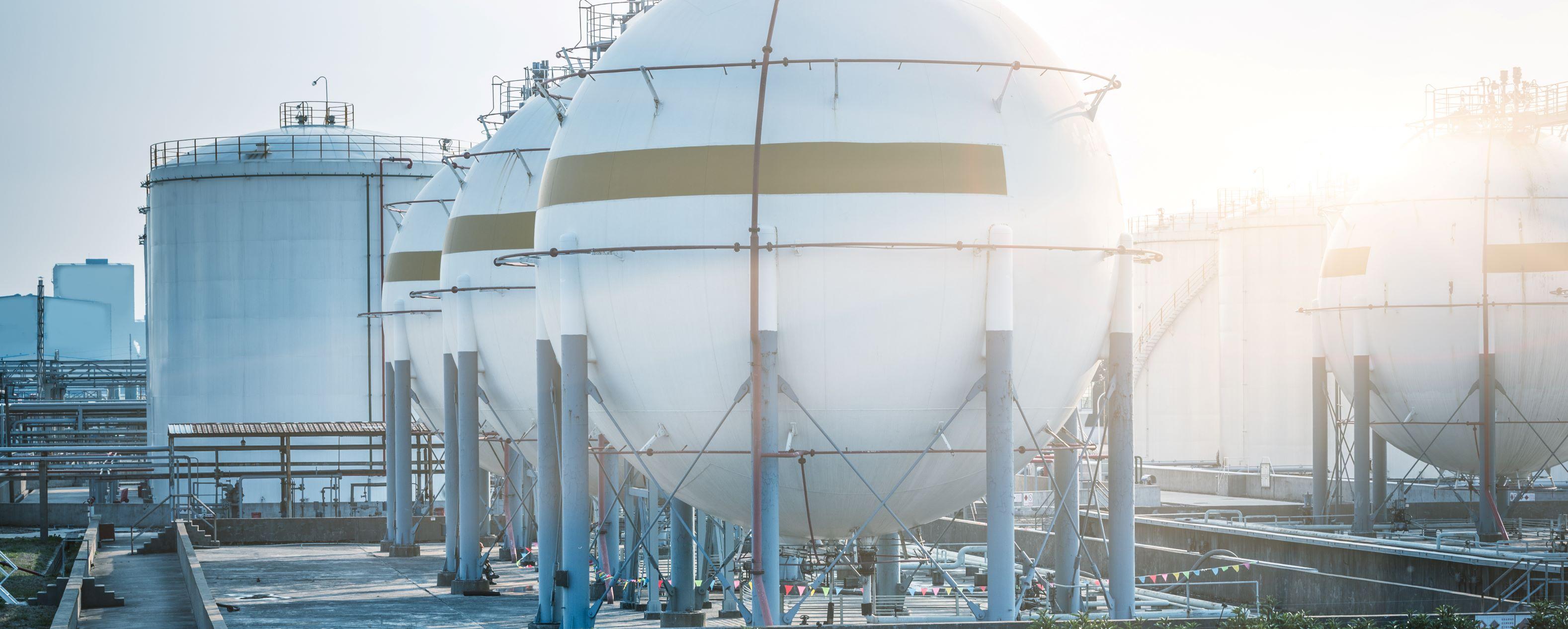 Nuovi adempimenti: depositi prodotti energetici e distributori carburanti