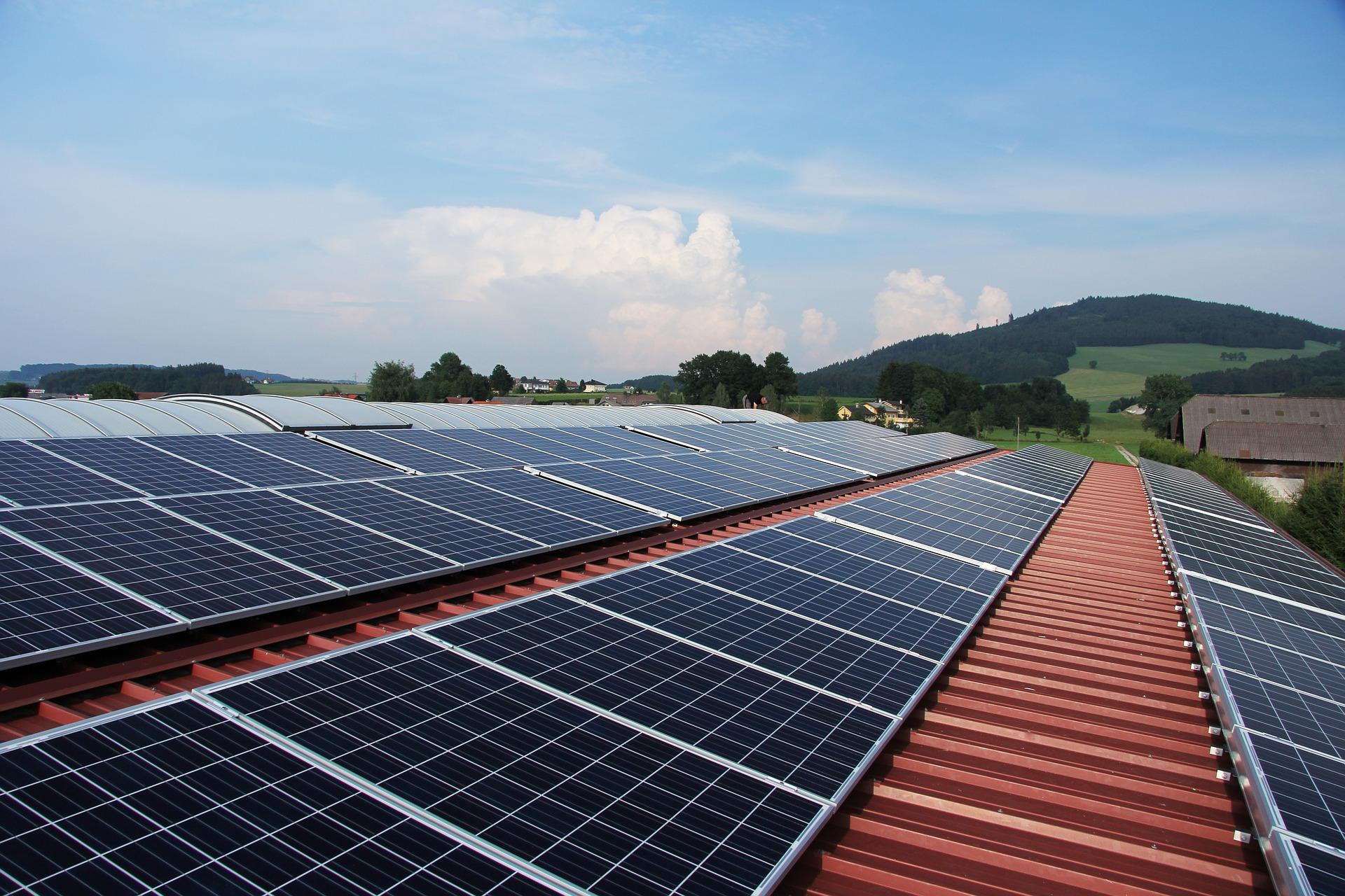 Fotovoltaico in Italia: dal Primo kW installato alle Comunità Energetiche